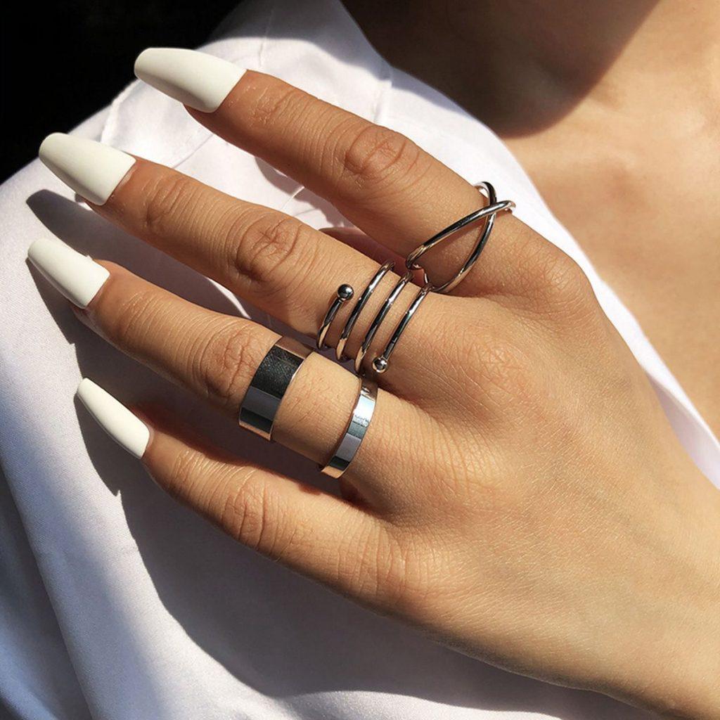 Simple Geometric Line Pearl Ring Set