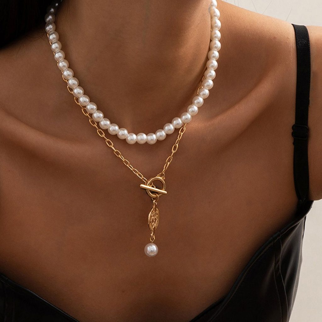 Pearl String Chain OT Buckle Coin Pendant Necklace